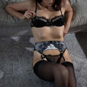 Garter belt in ivory silk and black lace