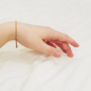 Thin gold bracelet for woman