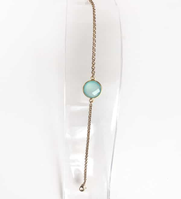 Gold jewellery with semi-precious stone